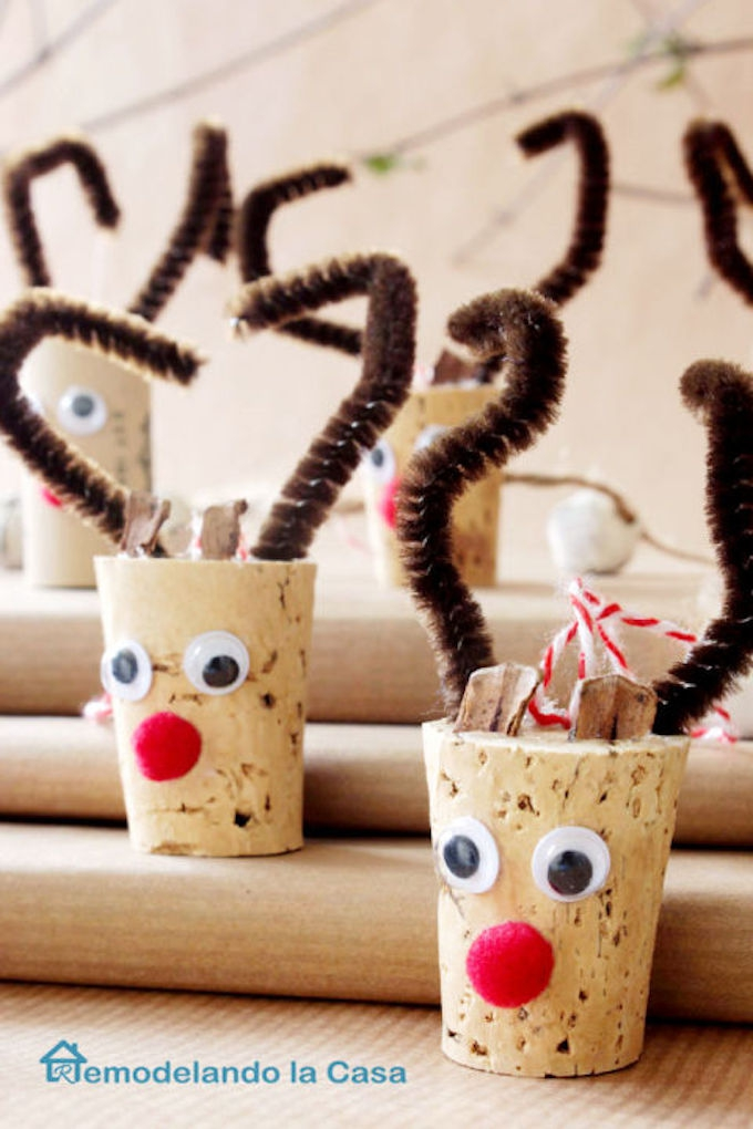 wine-cork-reindeer-ornament1_1