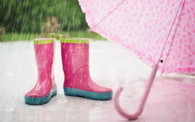 Pink wellies & umbrella
