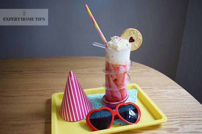 Jammie Dodger & Strawberry party milkshake made in a NutriBullet