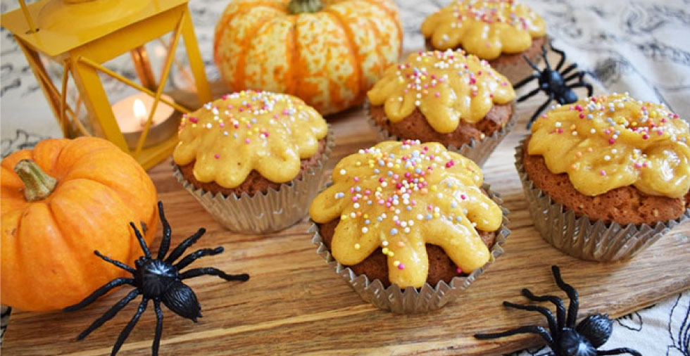 How to make Pumpkin Spiced Cupcakes - perfect for Halloween