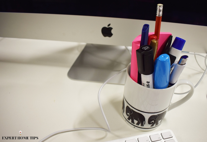Mug stationary holder