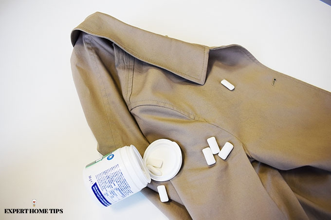 Chewing gum and a coat