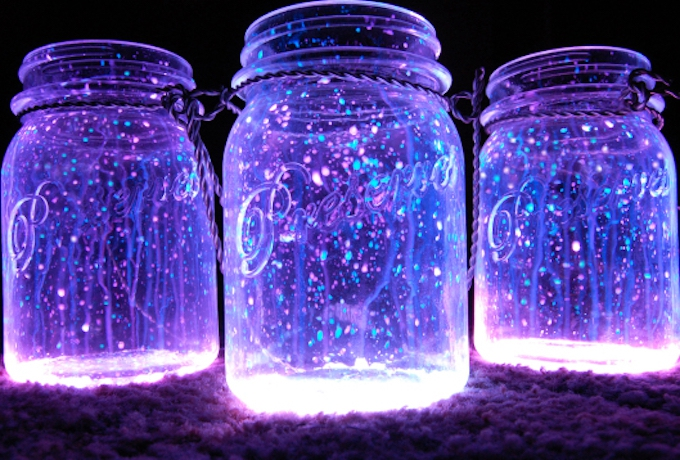 DIY GLOW JARS WITH GLOW STICKS