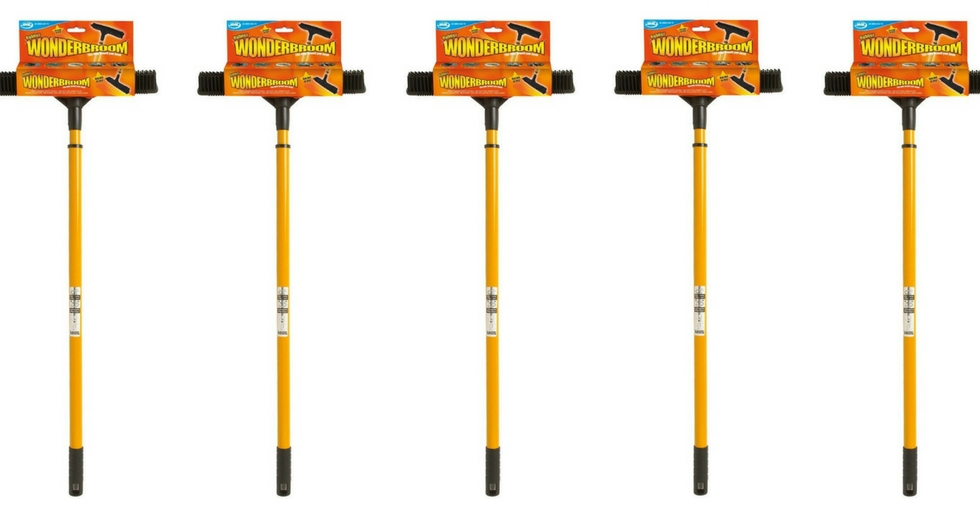 Tell us your ultimate cleaning tip & WIN a JML Wonderbroom