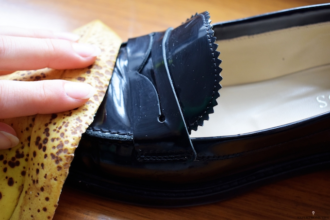 HOW TO SHINE SHOES USING LEATHER USING A BANANA SKIN
