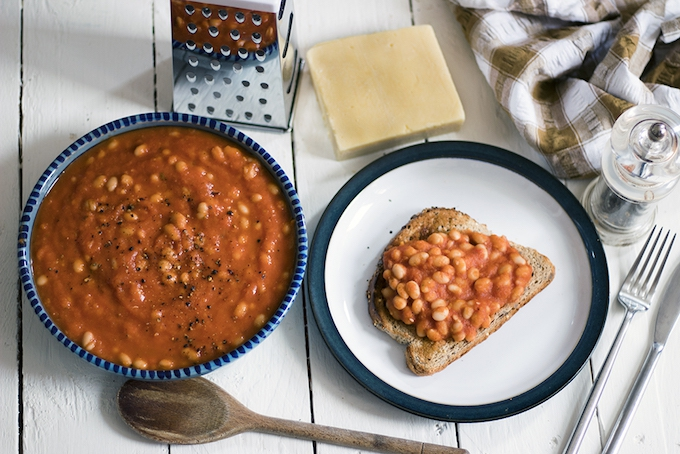 Homemade healthy baked beans