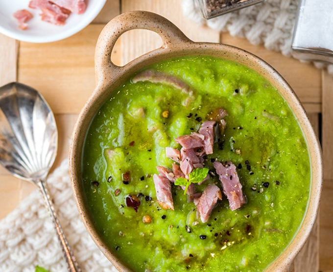 Pea and ham soup with fresh mint