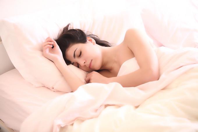 Woman sleeping common cold