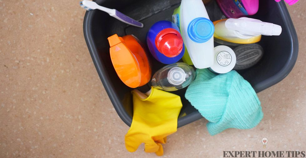 The ultimate household cleaning kit (15 essential items YOU need!)