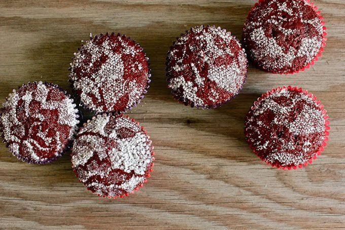 lace cupcakes icing sugar