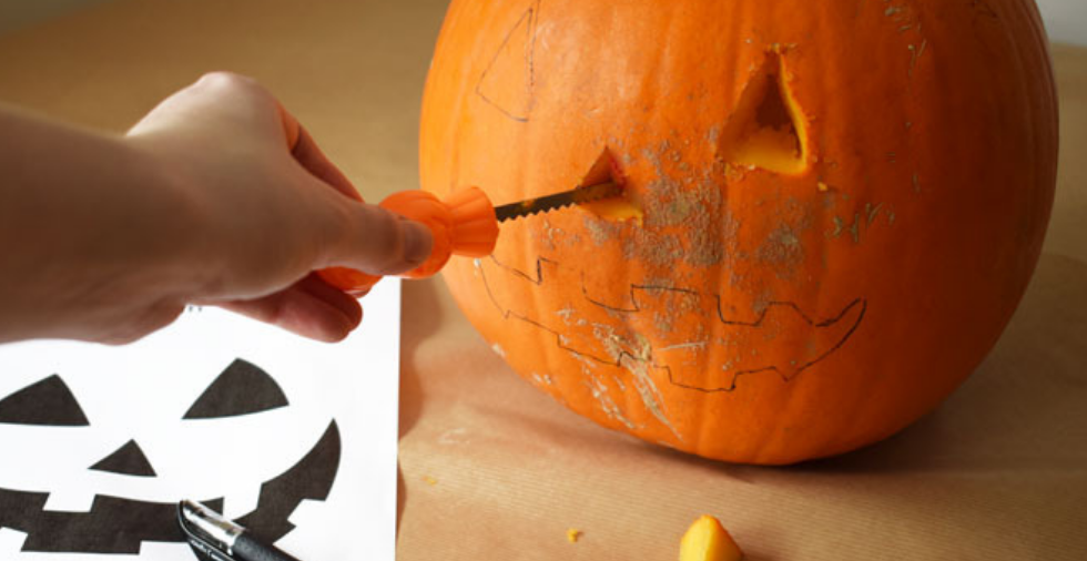 How To Carve A Pumpkin In 8 Simple Steps (Top Tips & Tricks From The Pros)
