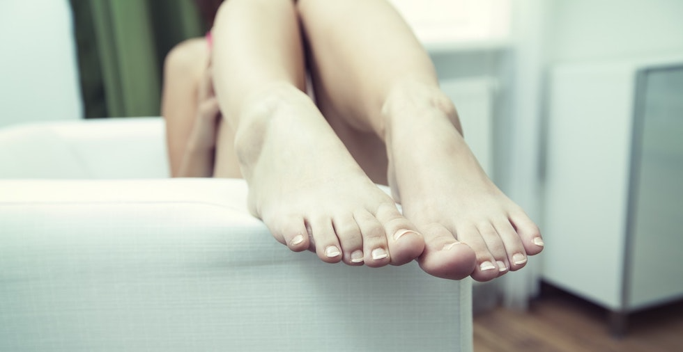 How To Get Rid Of Smelly Feet: 6 EASY Methods Guaranteed To BANISH Odour