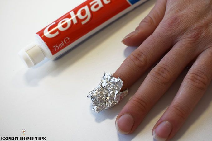 whiten your nails with toothpaste