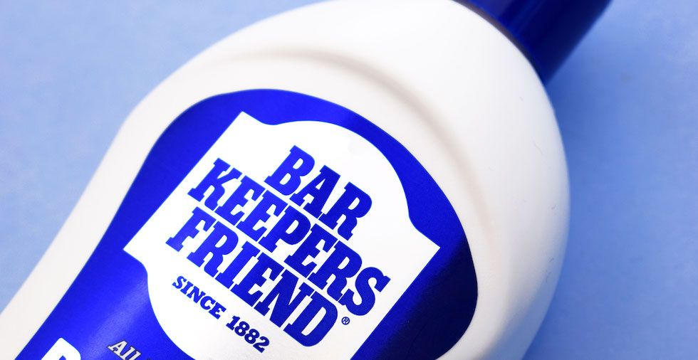 30 Uses For Bar Keepers Friend (The Cleaner EVERYONE Needs!)