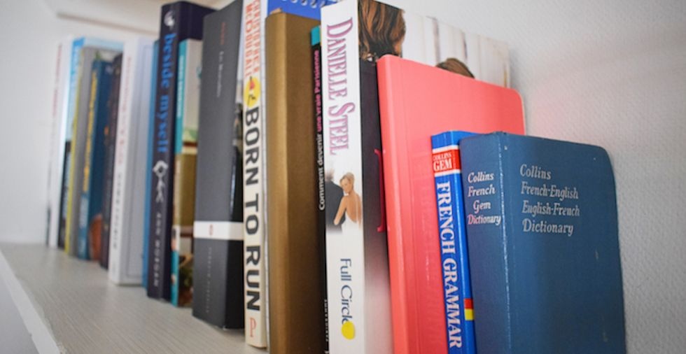 16 New & Exciting Ways To Use Old Books You NEED To Try