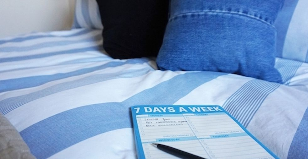 10 Things Exceptionally Organised People Do Before Bed