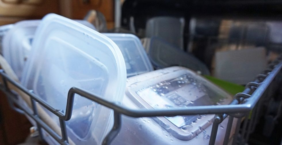 17 Things You Should NEVER Put In The Dishwasher