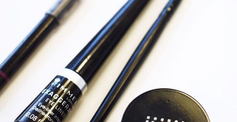 22 Eyeliner Tips You NEED To Try (For The Most Beautiful Eyes Ever!)