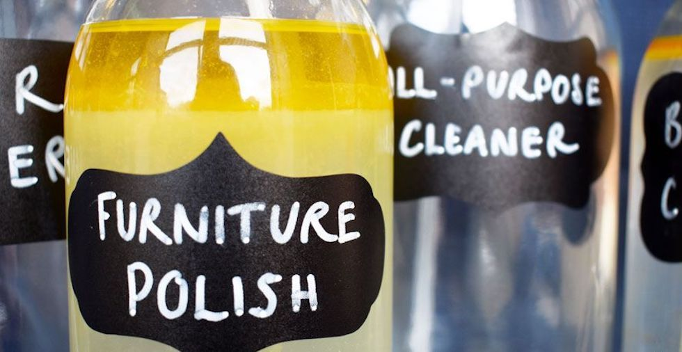 4 Basic But Effective Homemade Cleaning Products (That Are Essentials In Every Home!)