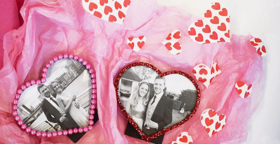 DIY Valentine's Day Gift: Decorated Heart Photo Frames
