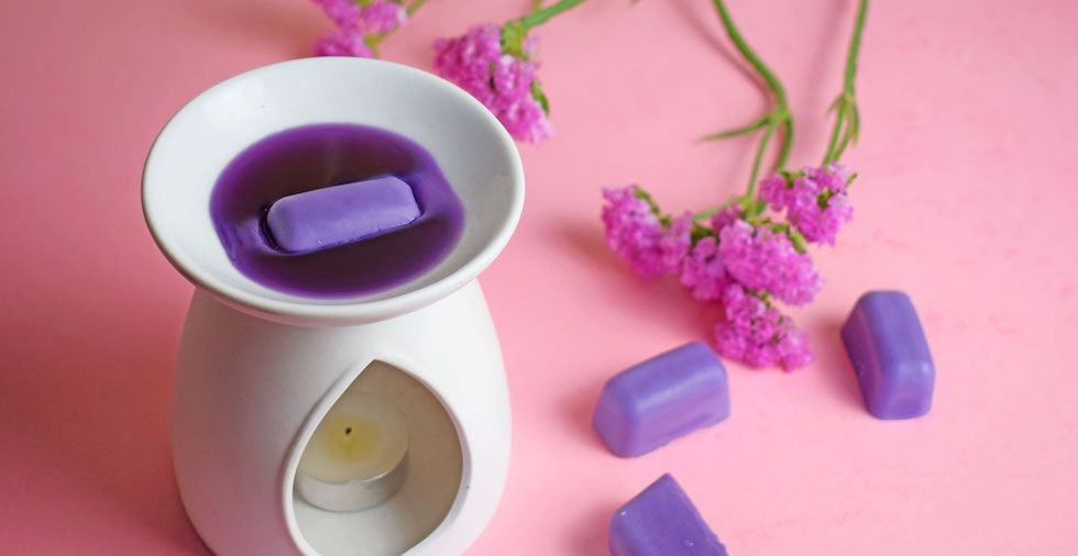How To Make Wax Melts At Home (Super EASY Beginners Guide!)